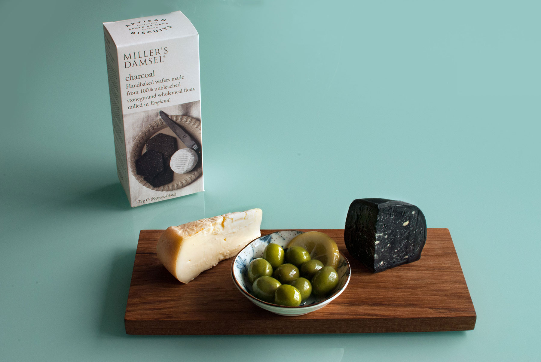 cheese, cheeseboard,olives, sicilian olives, isle of avalon cheese,charcoal cheese,the great british charcuterie co.,photography, food blog, photo by aunoralurra