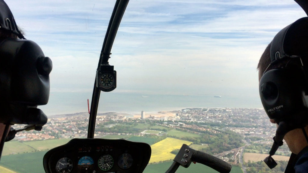 helicopter,helicopter experience, suggestions of things to do in Kent, red letter days helicopter lesson, manston airport, polar helicopters, aunoralurra review, activity; gift, ideas, present, Robinson-R44-helicopter